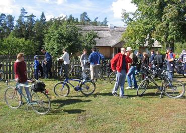Cycle Route Kurtuvenai Band